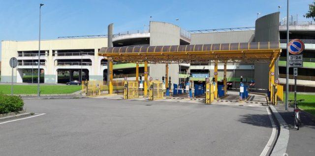 famagosta parking Milaan